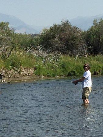 Montana angler fly fishing day trips bozeman all you for Fly fishing vacation montana