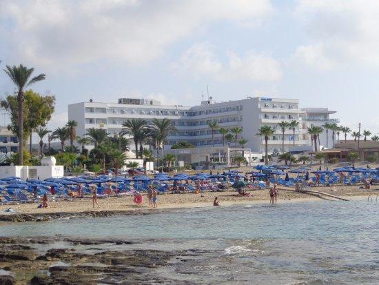 Tasia Maris Beach Hotel : from the beach
