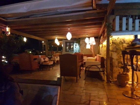 Mydonose Cafe & Bistro: TA_IMG_20170901_210655_large.jpg