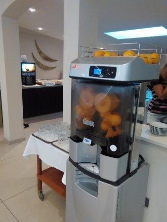 Hotel Cesare Augusto: Spremuta di vere arance