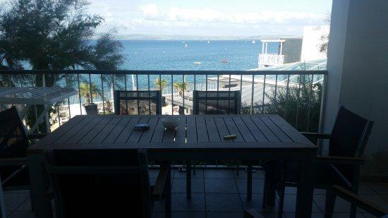 Pierre & Vacances Résidence Premium Le Coteau et la Mer : terrasse
