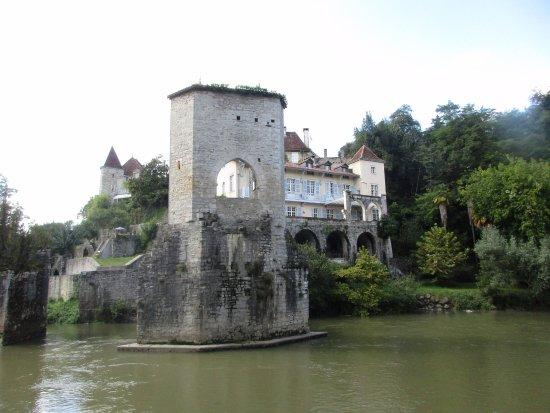 Sauveterre-de-Bearn, France: L'Ile de la Glere