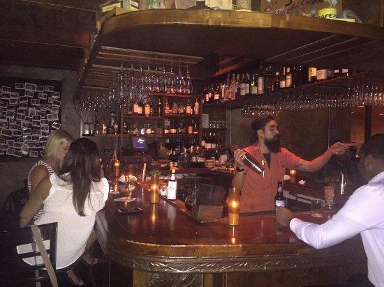 Habana Restaurant and Bar: Un momento al bar