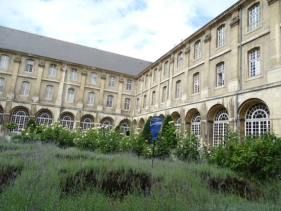 Pont-a-Mousson, France: image of art by Solange Bertrand in garden of Abbey, photo under alias Drager Meurtant