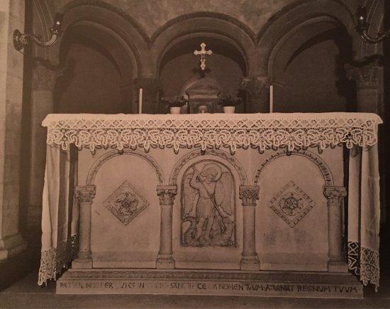 Pontassieve, إيطاليا: Altare nell'attuale posizione