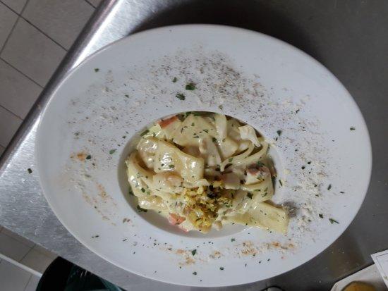 Donna Margherita: Calamarata alla carbonara di mare