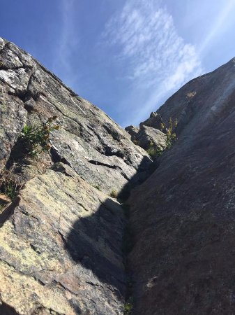 Jaffrey, NH: Rock scrambling above treeline
