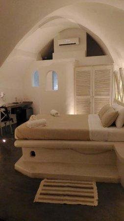 Loucas Hotel Photo