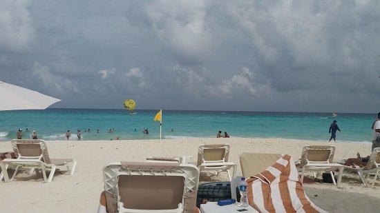 Hard Rock Hotel Cancun: Beach view :D