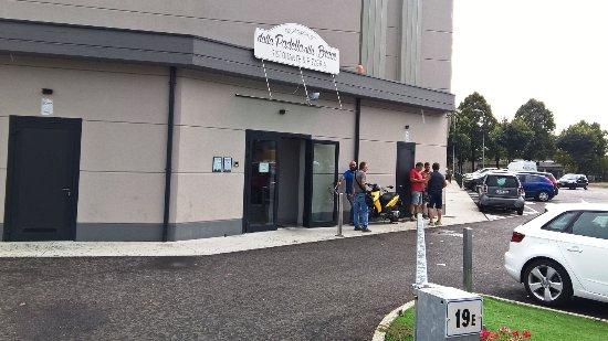 Treviolo, Italien: L'entrata