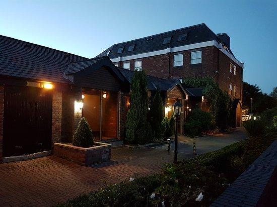Blackrod, UK: Room 211 ground floor/ view from window/ bar and burger