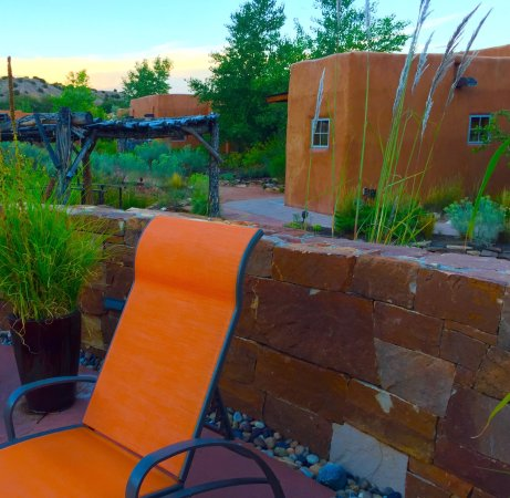 Ojo Caliente, NM: Ahhhhh! Pretty without being pretentious.  A retreat more than a resort.  A great place to resto