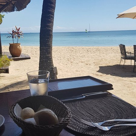Maritim Resort & Spa Mauritius: Beach restaurant