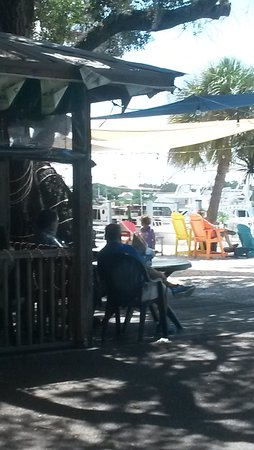 Miss Vicki's On the River: Some of the outdoor seating