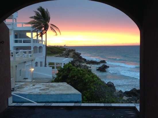 Casa Roca Caribe: Watching sunset from the jacuzzi