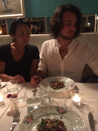 Cometa Restaurante: mum, son & tuna tartare