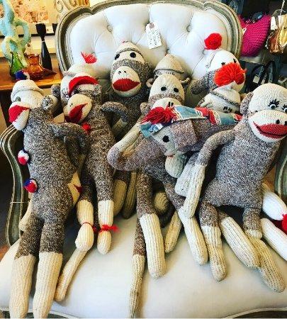 Littleton, NH: Sock Monkeys 🐒 (and one elephant for Freya :)