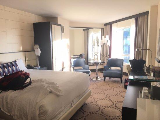 Harrah's Las Vegas: Full room view