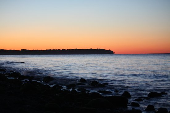 Pictou Lodge Beachfront Resort: Lovley sunset during the summer