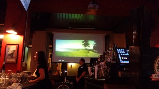 Celebration Town Tavern: wide screen tv