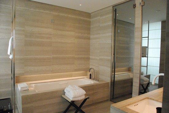 Armani Hotel Milano Photo