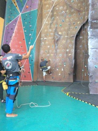 Sabah Indoor Climbing Centre: photo0.jpg