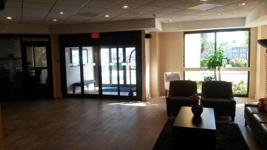 Hialeah Miami Lakes >> Lobby Picture Of Holiday Inn Express Miami Hialeah Miami Lakes