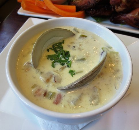 Deerfield, MA: Clam chowder classic