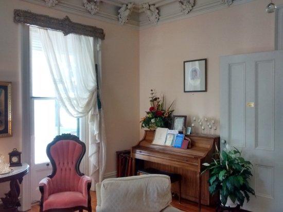 Dublin, VA: Formal living room