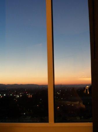 Pullman San Francisco Bay Hotel : summer sunset from 9th floor