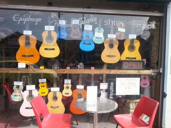 Whitchurch, UK: colourful guitars