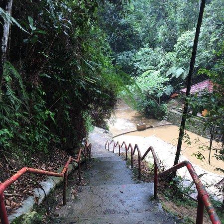 Jeriau Waterfall: photo1.jpg