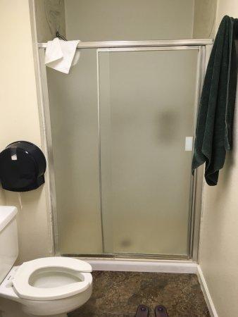 Wheat Ridge, Κολοράντο: Private bath and shower.