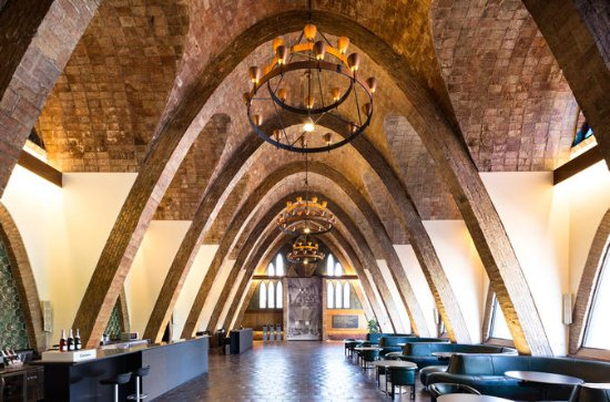 Private wine tapas and wineries art...