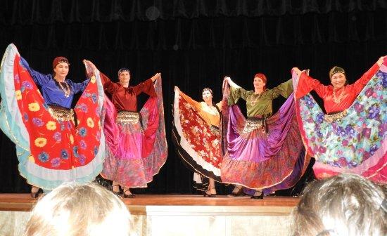New Archangel Dancers: Incredible, beautiful costumes!