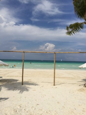 Discovery Shores Boracay: Last beach shot before departure 11am