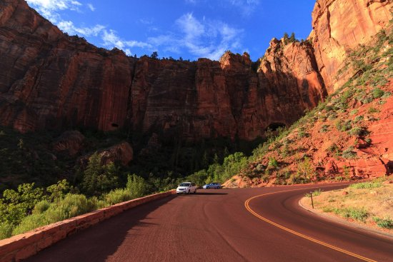 Zion Canyon Scenic Drive: On the way down to the parking