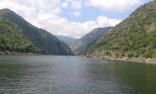 Province of Ourense, Spain: Rivera Sacra (vista desde el barco que hace el trayecto del Cañón del Sil)