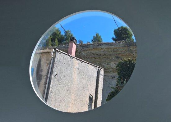 St Chamas, Frankrig: Vue d'une fenêtre de la salle intermédiaire
