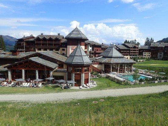 Club med valmorel hotel voir les tarifs 1 399 avis et for Piscine valmorel