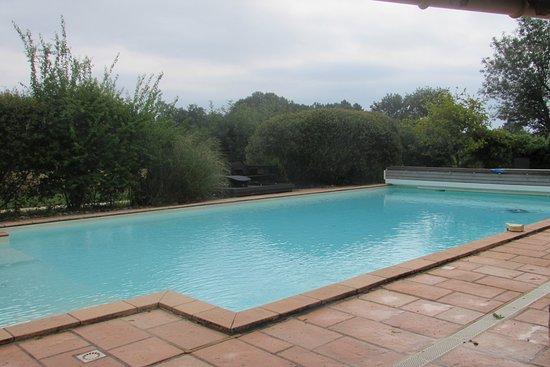 Saint-Andre-de-Double, France: La graaande piscine