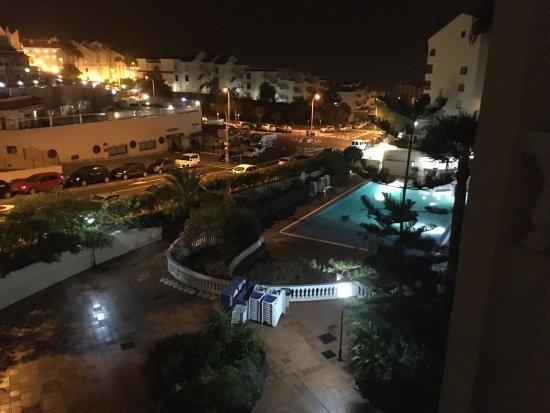 Castle Harbour Apartments: photo1.jpg