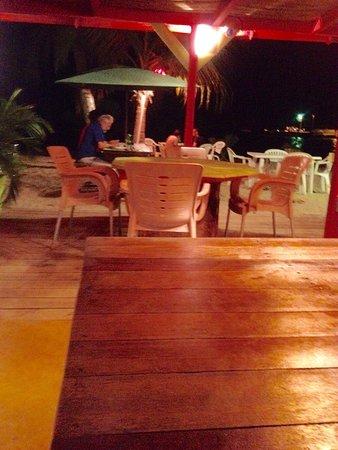 Saint Louis, Guadeloupe: Un petit coin de paradis restaurant les pieds Dans l'eau