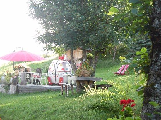 Demi-Quartier, France: Camping Bornand