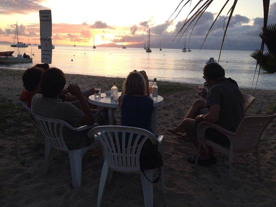 Saint Louis, Гваделупа: Un petit coin de paradis restaurant les pieds Dans l'eau