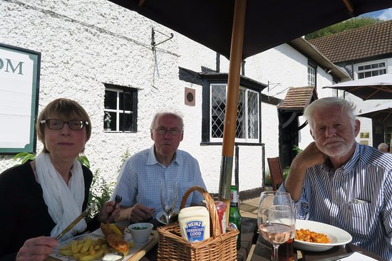 Holywell, UK: Lunch on the terrace