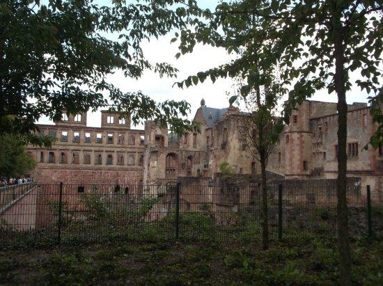 Heiligenberg : Castillo parte en ruinas pero lo que queda muy interesante de ver