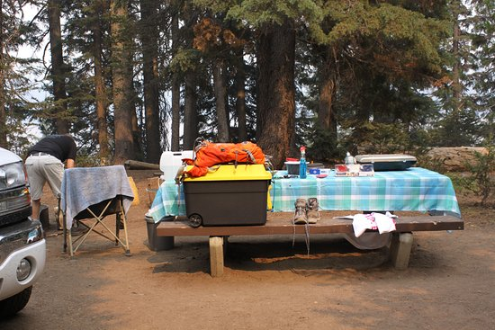 Crater lake campground with full hookups