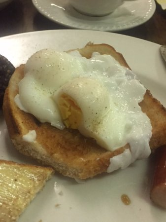Lawlor's Hotel Dungarvan: This poached egg was the worst!