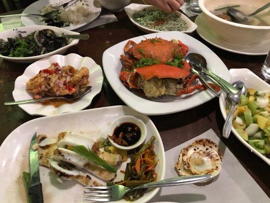 Ocho Seafood Grill : The food we ordered, Squid, cran, ensaladang talong